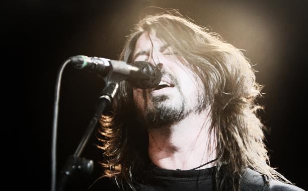 Dave Grohl von den Foo Fighters beim Auftritt im Kšlner Gloria im FrŸhjahr 2011