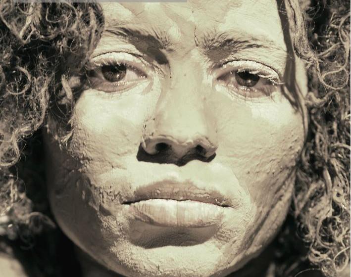 Nneka - 'Soul is Heavy'