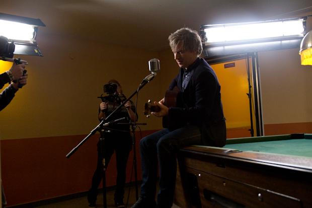 Ebenso Matthew Caws von Nada Surf, der den neuen Song 'Teenage Dreams' vorstellte und ganz nebenbei für einen der schönsten
