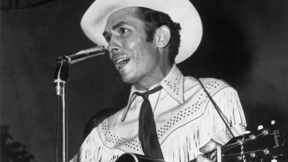 COLUMBUS, OH - SEPTEMBER 1951:  Country singer Hank Williams performs at the Hadacol Caravan Show in September 1951 in Columb