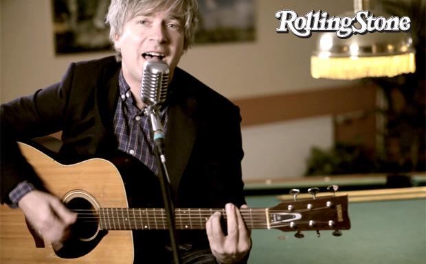 Matthew Caws von Nada Surf spielt uns auf dem Rolling Stone Weekender den neuen Song 'Teenage Dreams'.