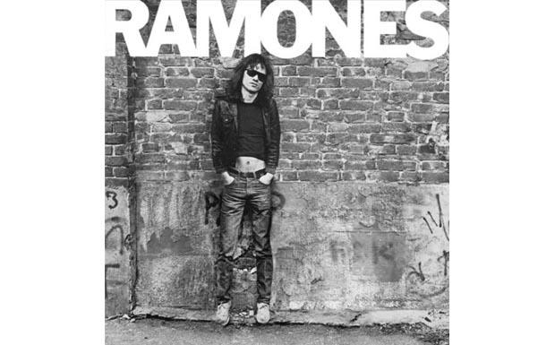 Und da war es nur noch einer. Tommy Ramone ist als einziges Gründungsmitglied der Ramones noch am Leben.