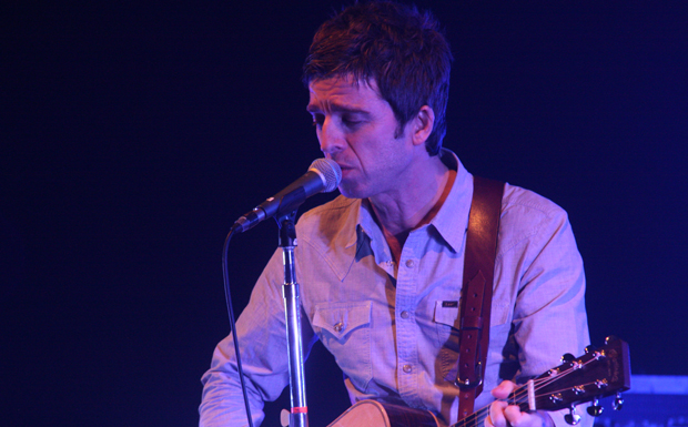 Noel Gallagher's High Flying Birds - First Solo Concert ever 2011-10-23 @  Olmypia Theatre, Dublin, Ireland © Thomas Zeidler