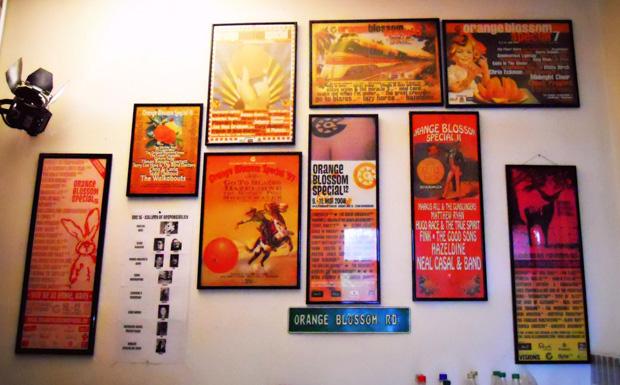 Ahnengalerie: Die Backstage-Galerie mit den Orange Blossom Special-Plakaten der letzten Jahre.
