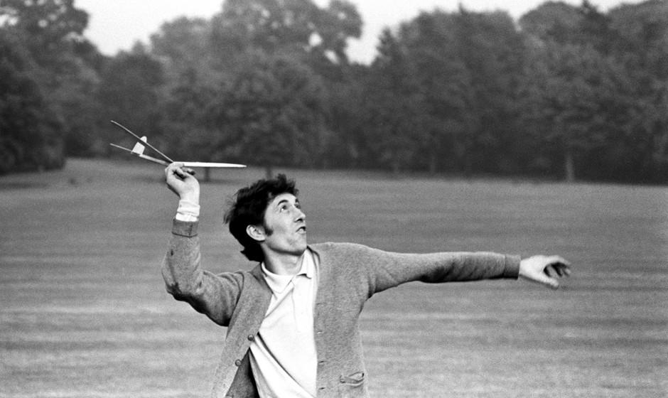 Bert Jansch fooling about in Regent's Park, London, 1966
