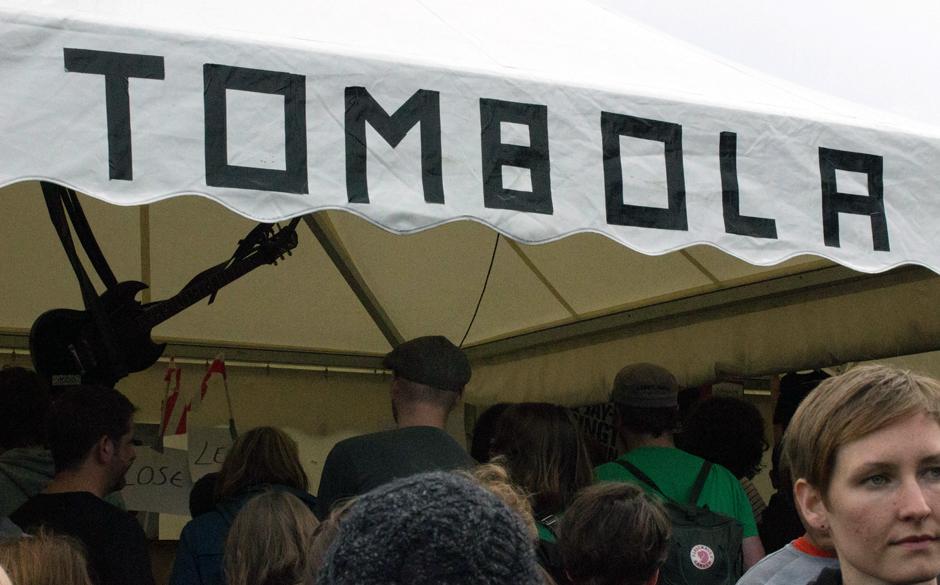 Nach zehn Minuten ausverkauft: Die Lose für die Tombola.