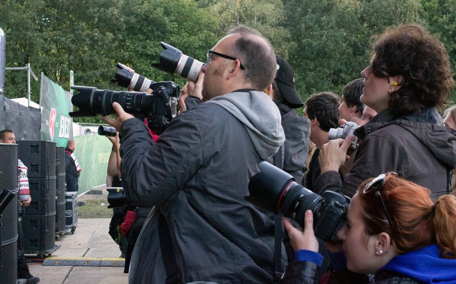Die Fotografen-Meute.