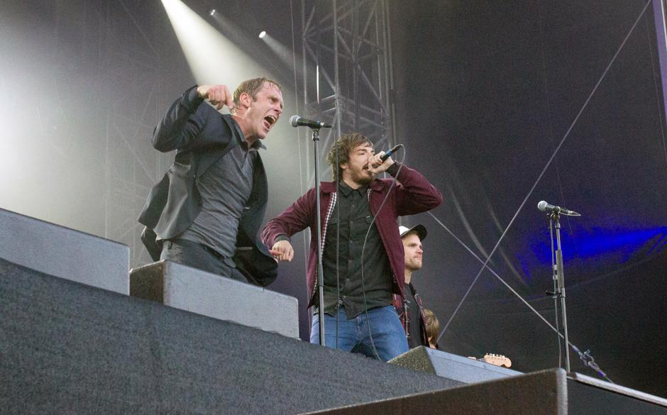 Casper sang 'Und Jay-Z singt uns ein Lied' und 'XOXO' mit Thees Uhlmann.