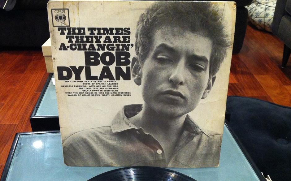 'The Times They Are A-Changing', 1964 Dylan offenbart sich als Historiker und Erzähler moralischer Geschichten.