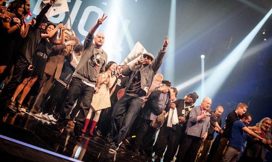 Zumindest die Kollegen auf der Bühne zollen XAVAS Respekt – die Kumpanen Kool Savas und Xavier Naidoo traten für Baden-W�
