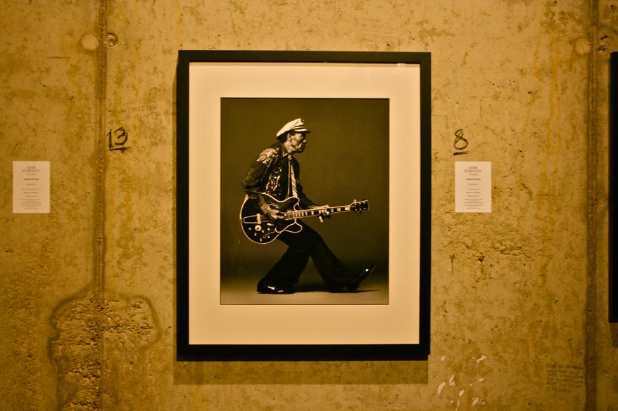 Chuck Berry und sein Duckwalk: 'A-wop-bop-a-loo-bop-a-lop-bam-boo' Ausstellungseröffnung nhow-Hotel Berlin