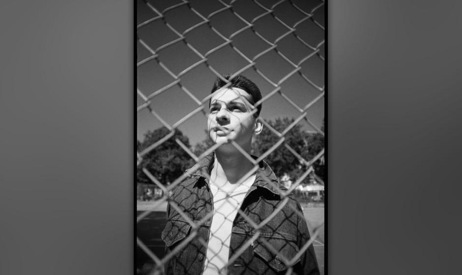UNITED KINGDOM - SEPTEMBER 02:  Photo of DEPECHE MODE; David Gahan of Depeche Mode at Shepherd's Bush, London, UK September 1