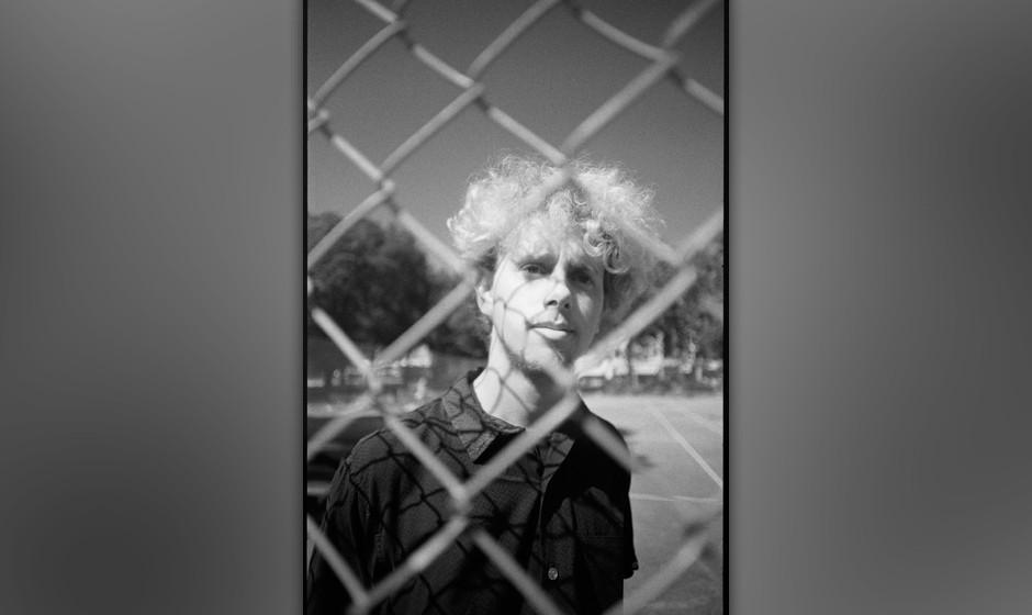 UNITED KINGDOM - SEPTEMBER 02:  Photo of DEPECHE MODE; Martin Gore of Depeche Mode at Shepherd's Bush, London, UK September 1