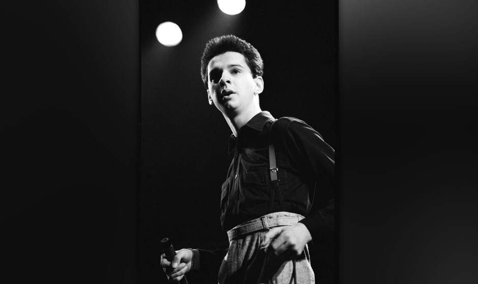 UNITED KINGDOM - NOVEMBER 15:  LYCEUM  Photo of DEPECHE MODE, David Gahan of Depeche Mode at The Lyceum, London, UK 15 Novemb