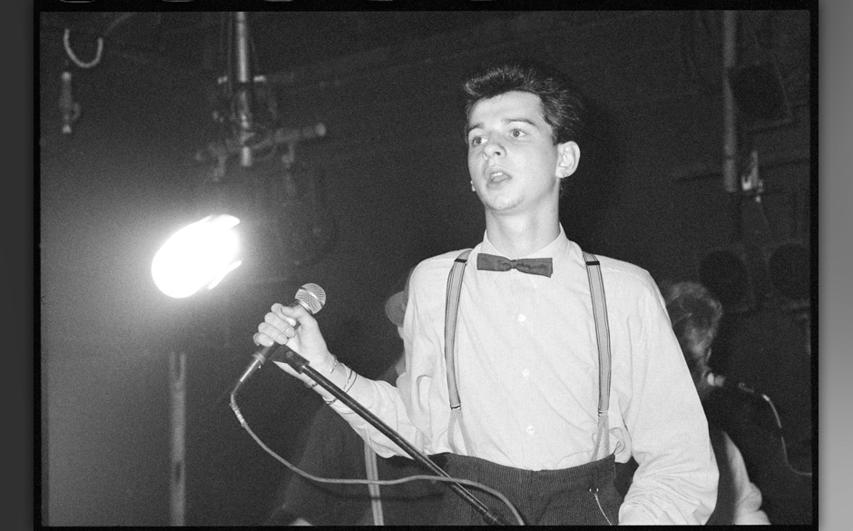 UNITED KINGDOM - AUGUST 26:  ICA  Photo of DEPECHE MODE, David Gahan of Depeche Mode at The ICA, London, UK 26 August 1981  (