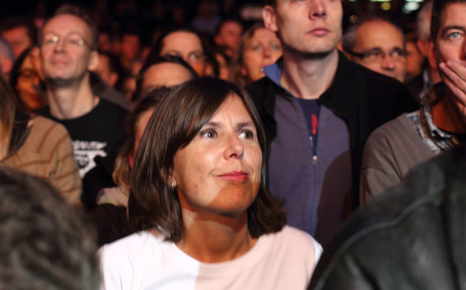 Christiane Falk kennt man als Radio-Moderatorin bei Eins Live. Sie sieht sich Kettcar an.