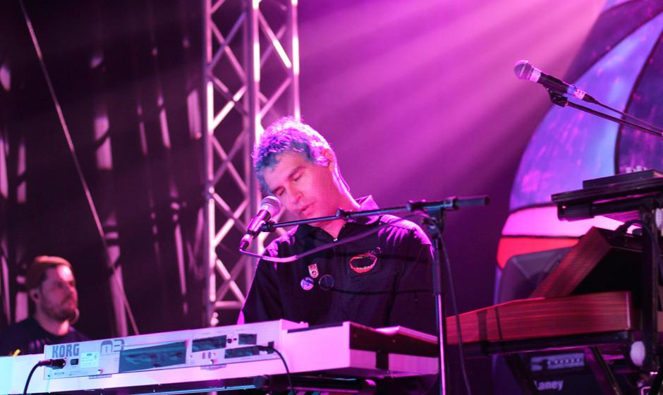 David Portner a.k.a. Avey Tare von Animal Collective. Die Haare waren Raver-Party-Neon-Blau.