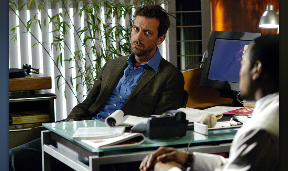 Dr. Gregory House (Hugh Laurie, li.) im Gespr‰ch mit dem Neurologen Dr. Eric Foreman (Omar Epps).