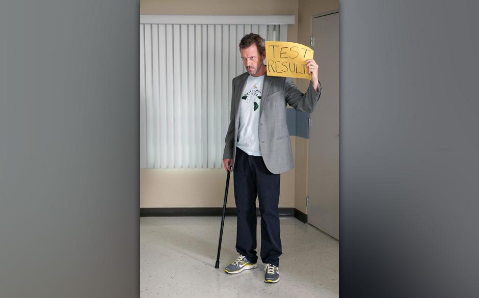 Obwohl ein dramatischer Fall im Krankenhaus seine ganze Aufmerksamkeit fordert, hat House (Hugh Laurie) grofle Probleme, sei