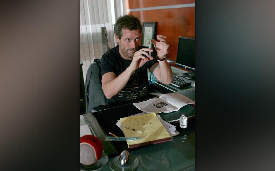 House (Hugh Laurie), der mit dem Gastdozenten Weber noch ein Rechnung offen hat, will daf¸r sorgen, dass sein Kontrahent vor