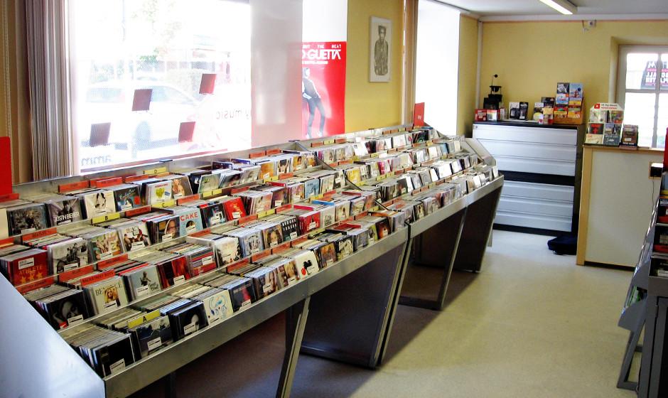 Wie jede Woche reisen wir in unserer Albenvorschau durch die Plattenläden des Landes. Heute empfehlen wir einen Besuch bei H