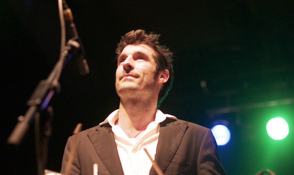 Felix Rieb von The Cat Empire. Die Band bespielte am 15. Dezember die Berliner Columbiahalle.