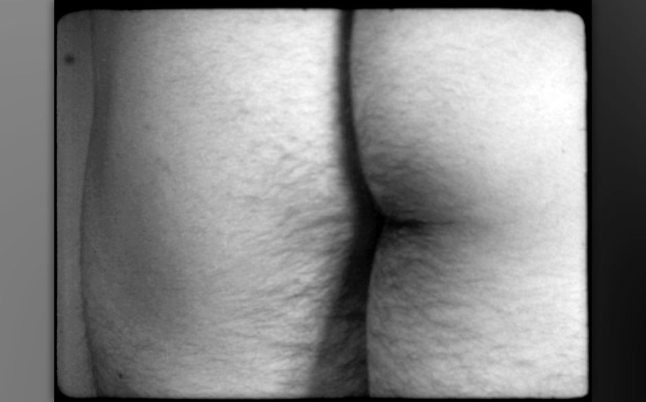 Filmstill aus Film No. 4, Fluxfilm No. 16 (Bottoms), 1966