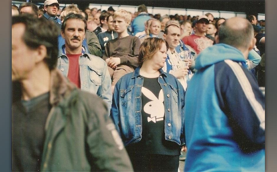 Playboy Bunny Bochum / 1994: Jenes Erlebnis sollte mich für immer prägen und verändern. Nach meinem ersten Stadionbesuch i