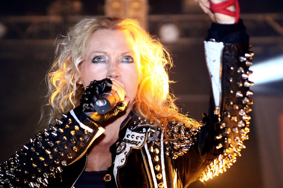 Arch Enemy live, Hell Inside 2012