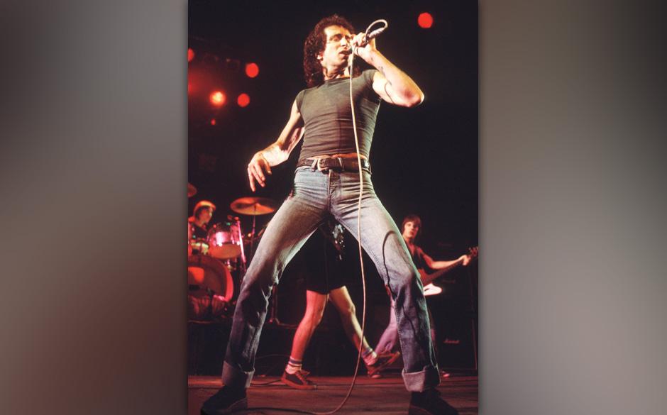 AC / DC ( Bon Scott ) Mid 70sCredit all uses © Retna Ltd.