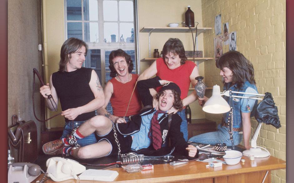 AC/DC (1976)© MICHAEL PUTLAND / RETNAUKCREDIT ALL USES