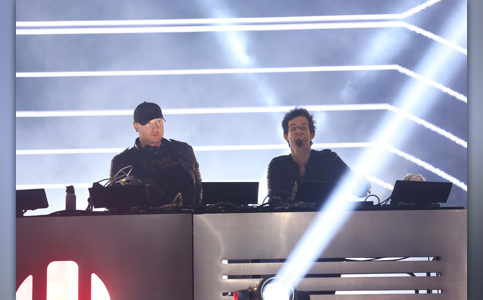 MIAMI, FL - MARCH 16:  Knife Party Performs at Ultra Music Festival - Weekend 1 at Bayfront Park Amphitheater on March 16, 20