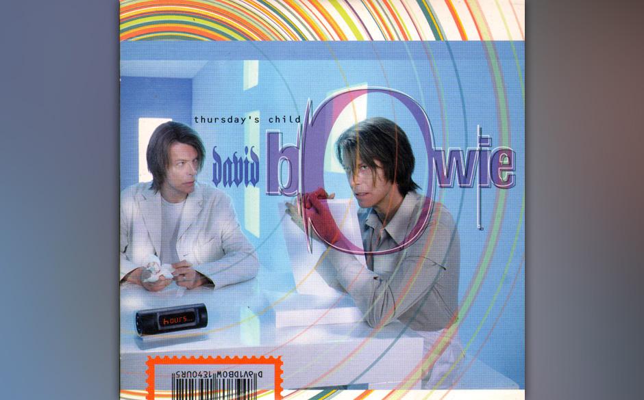 50. Thursday's Child. Im Clip verjüngt sich Bowie vor dem Badezimmerspiegel und verfällt schließlich dem ebenfalls verjün
