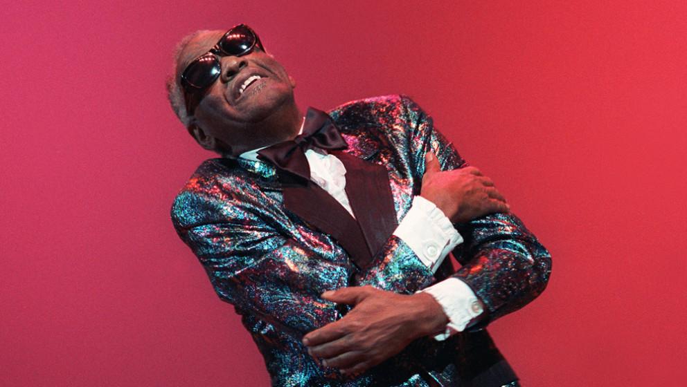Ray Charles singt nicht nur mit Soul, er lässt einen auch einen Blick in seine Seele werfen. Man hört etwas, das ganz tief