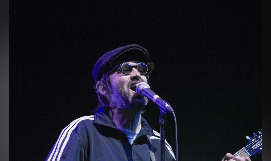 Frontmann Mark Oliver Everett beim Konzert seiner Eels in Berlin - so engagiert sah man ihn an diesem Abend eher selten....