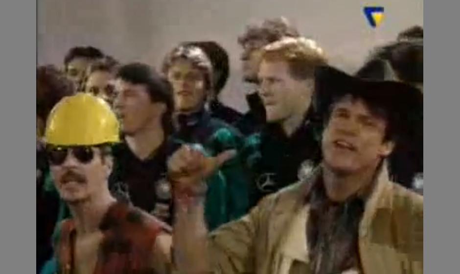 "Deutsche Nationalmannschaft & The Village People 1994 - 'Far Away In America'. ""It's a tough man's paradise"": Ratlose"