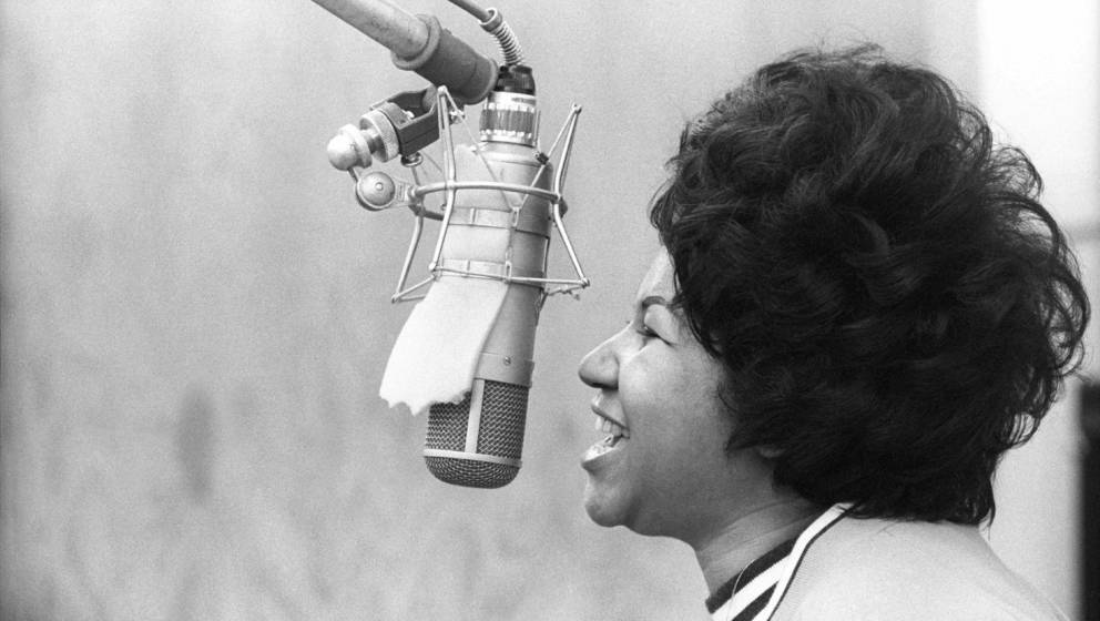 NEW YORK - JANUARY 09:  Soul singer Aretha Franklin sings in the Atlantic Records studio during 'The Weight' recording sessio