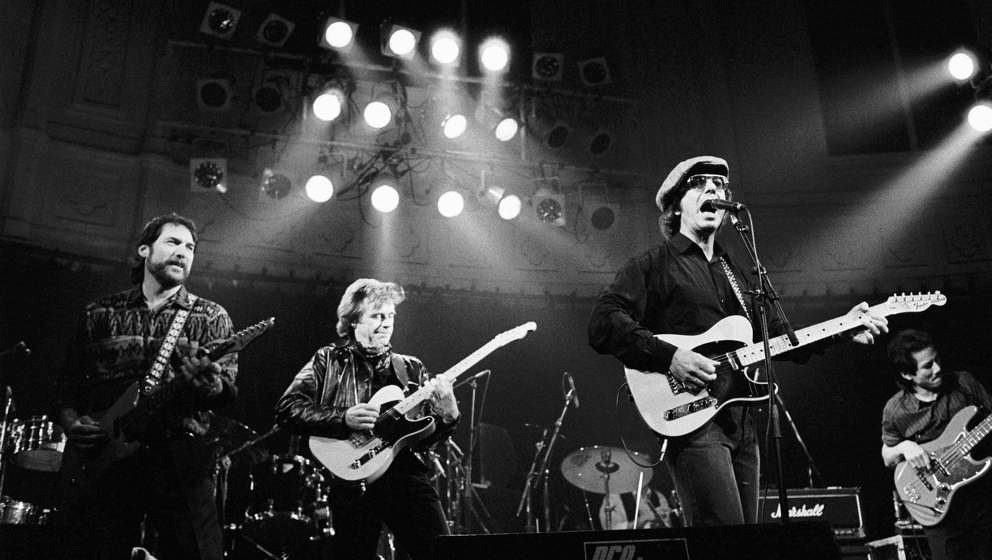 Steve Cropper and Dave Edmunds perform on stage with Dion Dimucci at the Paradiso on 1st March 1990 in Amsterdam, the Netherl