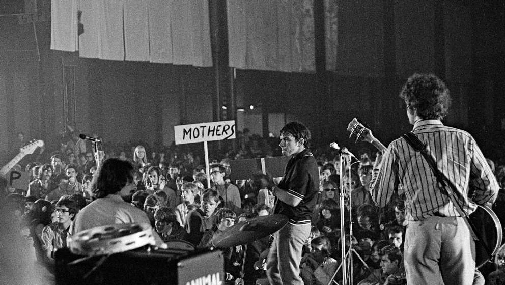 Eric Burdon and the New Animals perform at the International Love-In Festival, Alexandra Palace, London, 29th July 1967. (Pho