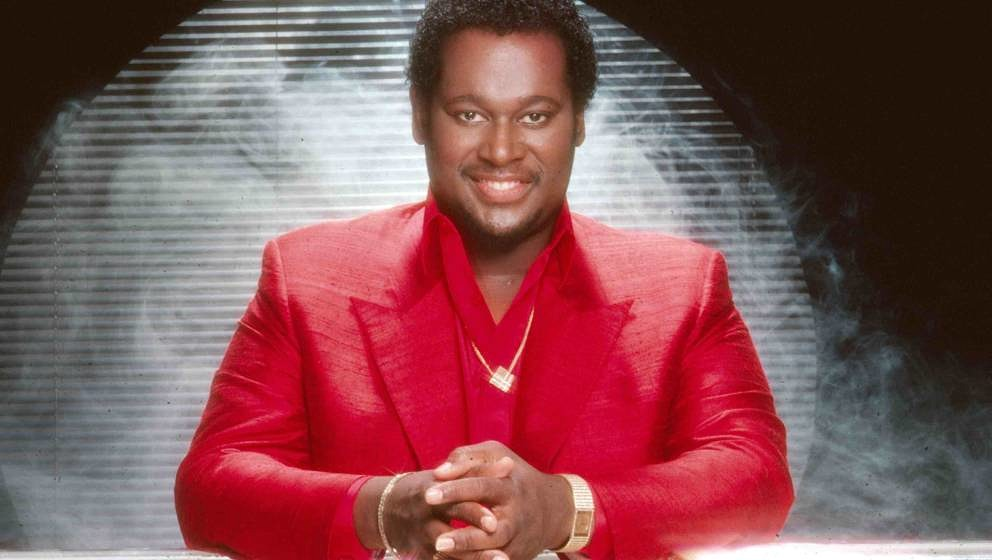LOS ANGELES - 1995:  Singer Luther Vandross poses for a portrait in 1995 in Los Angeles, California.  (Photo by Harry Langdon