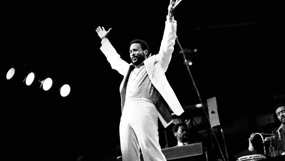 DETROIT - 1976:  Marvin Gaye performs at the University of Detroit Fieldhouse in 1976 in Detroit, Michigan. (Photo by Leni Si
