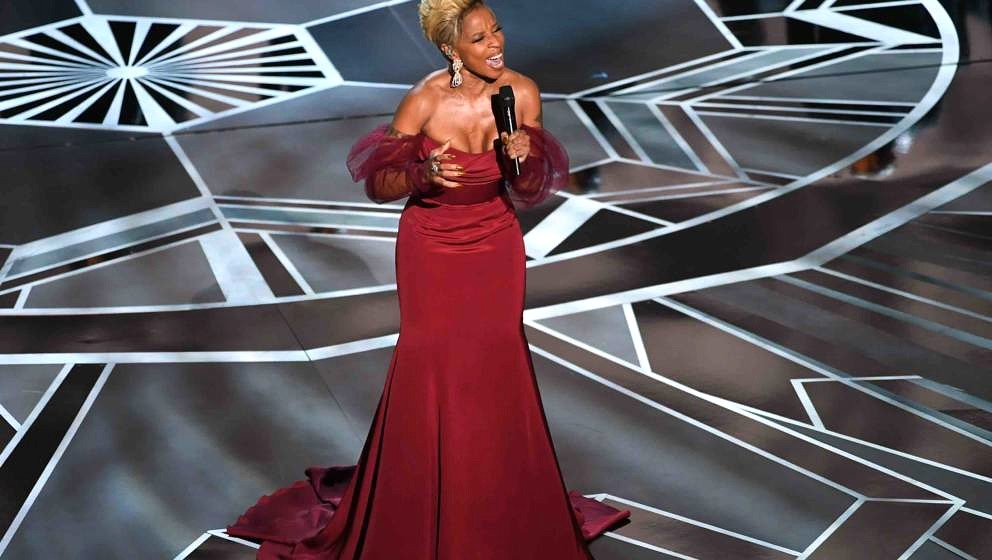 HOLLYWOOD, CA - MARCH 04:  Actor/singer Mary J. Blige performs onstage during the 90th Annual Academy Awards at the Dolby The