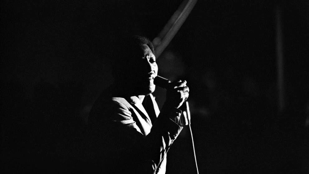 MONTEREY, CA - JUNE 17: Soul singer Otis Redding performs onstage at the Monterey International Pop Festival on June 17, 1967