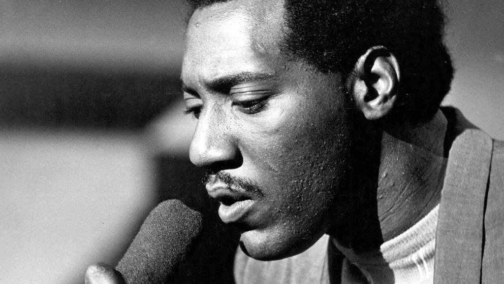 LONDON - 1966: Soul singer Otis Redding performs on the TV show Ready Steady Go in 1966 in London, England. (Photo by Michael