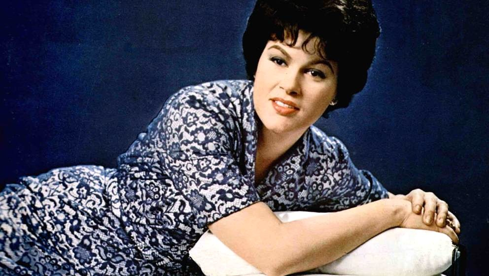 UNSPECIFIED - JANUARY 01:  (AUSTRALIA OUT) Photo of Patsy CLINE; Posed portrait  (Photo by GAB Archive/Redferns)