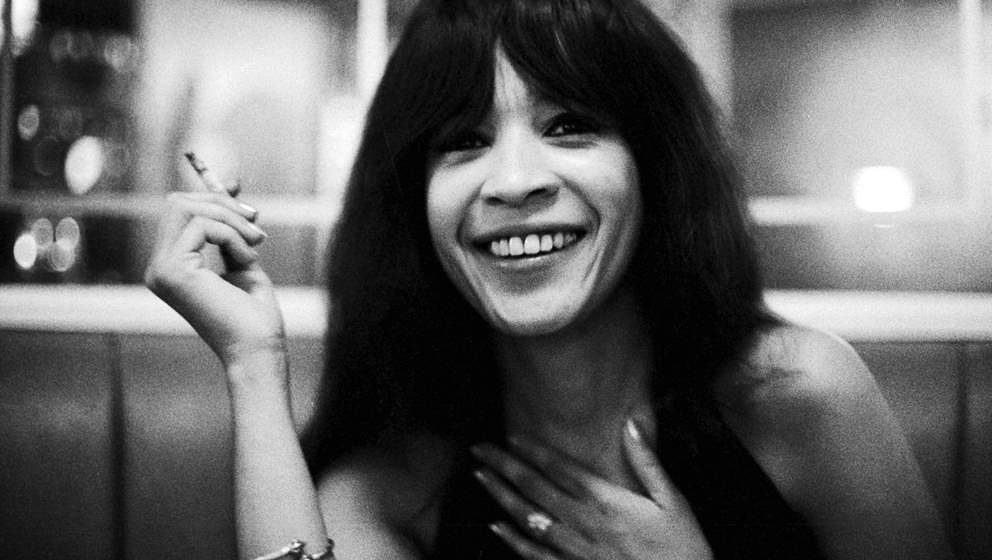 Ronnie Spector of The Ronettes, portrait, London, August 1974. (Photo by Michael Putland/Getty Images)