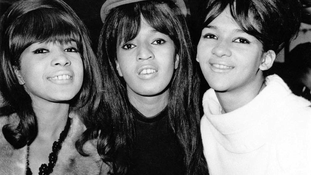 American pop trio The Ronettes, comprising Veronica Bennett (later Ronnie Spector), Nedra Talley and Estelle Bennett, UK, 21s