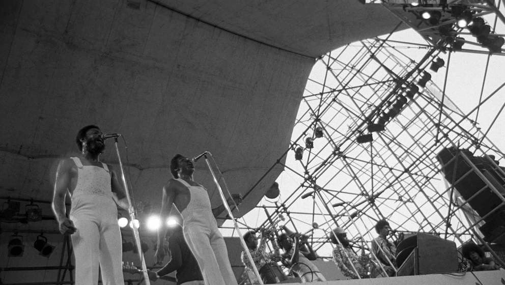 NEW YORK - AUGUST 19:  American soul and R& B duo Sam and Dave performing at Schaefer Festival on August 19, 1974 in New