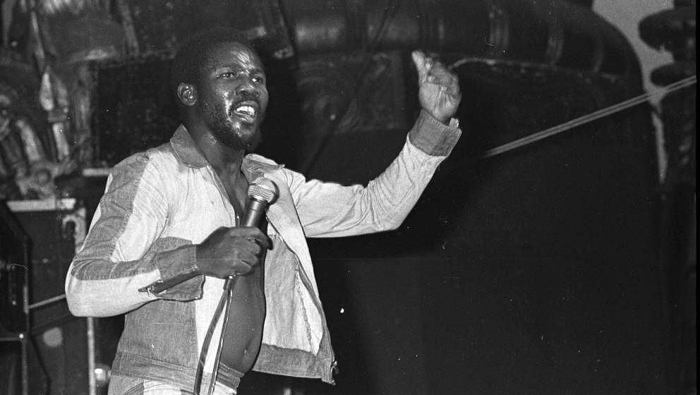NEW YORK: Toots Hibbert of Toots And The Maytals performs live on stage in New York in 1976 (Photo by Richard E. Aaron/Redfer