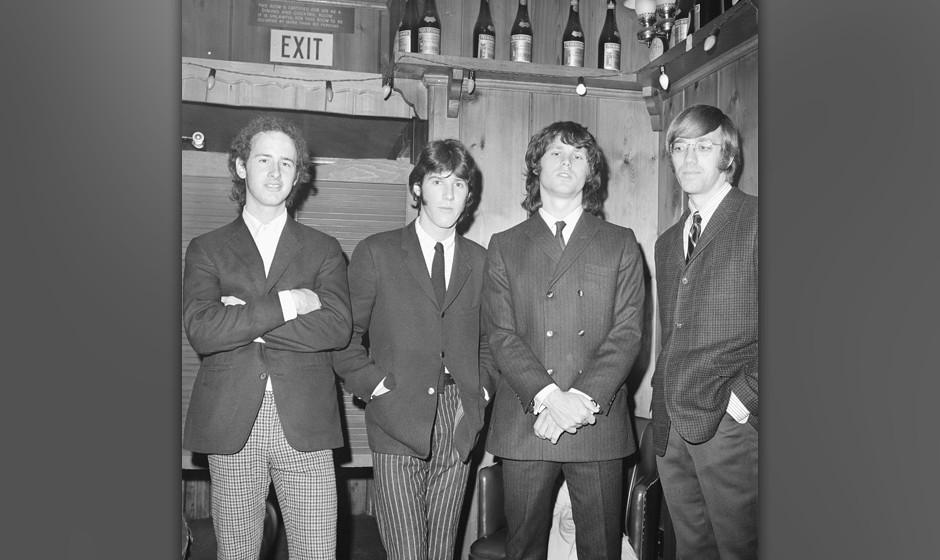UNITED STATES - CIRCA 1966:  Photo of Doors, 1966, California, Los Angeles, Whisky a Go Go, L-R: Robbie Krieger, Ray Manzarek